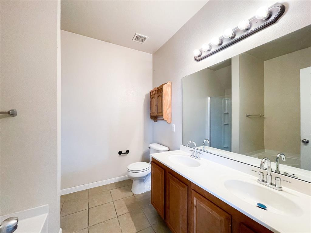 1738 Summerwood  Lane, Cedar Hill, Texas 75104 - acquisto real estate best photos for luxury listings amy gasperini quick sale real estate