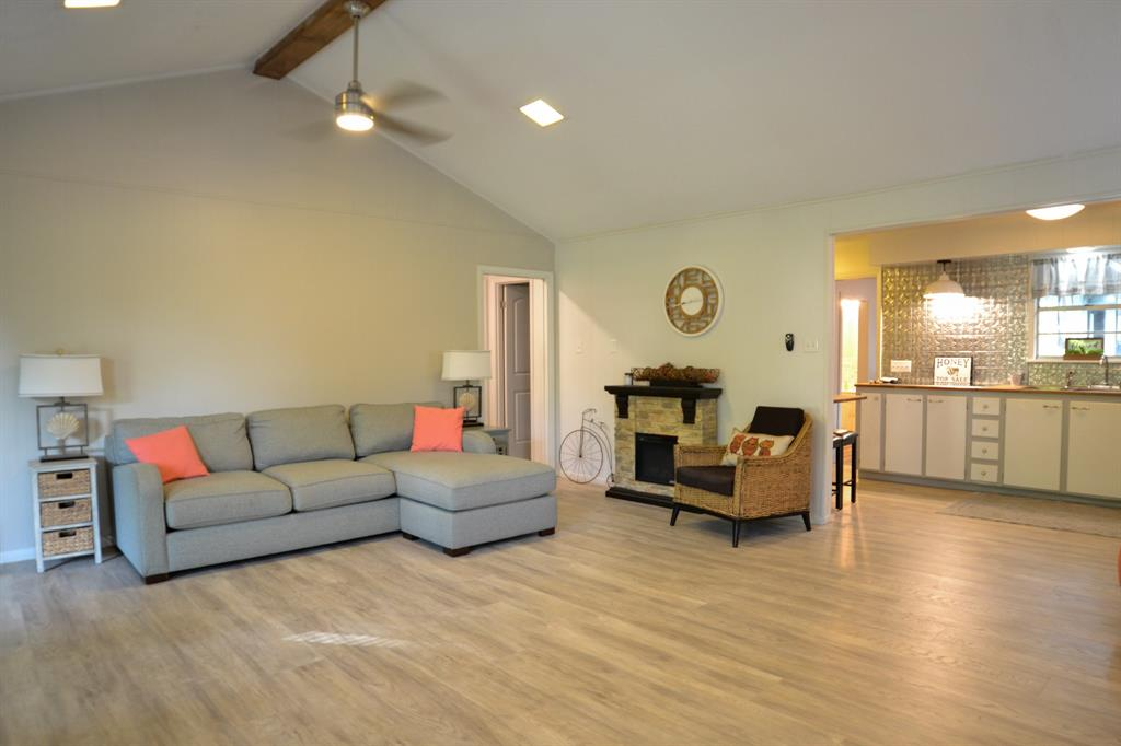 425 Briar  Grove, Murchison, Texas 75778 - Acquisto Real Estate best frisco realtor Amy Gasperini 1031 exchange expert