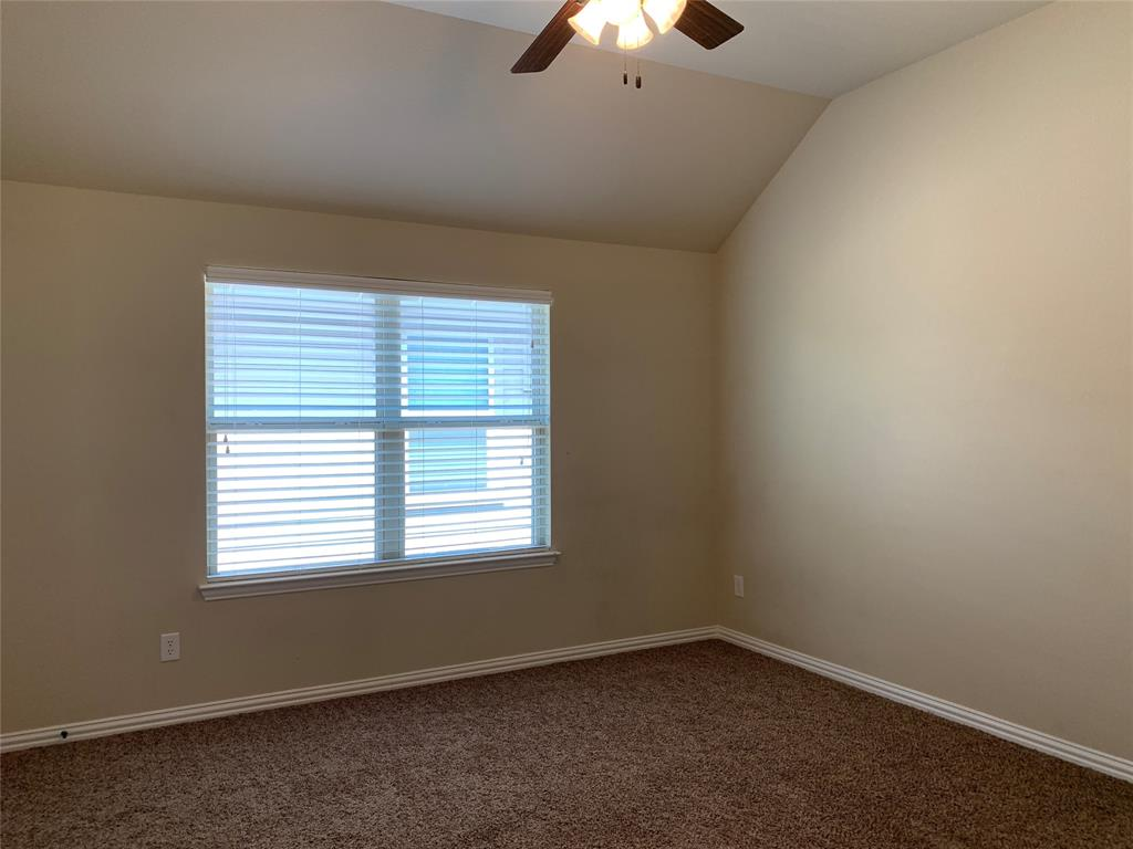 424 Spring Creek  Drive, Argyle, Texas 76226 - acquisto real estate best realtor foreclosure real estate mike shepeherd walnut grove realtor