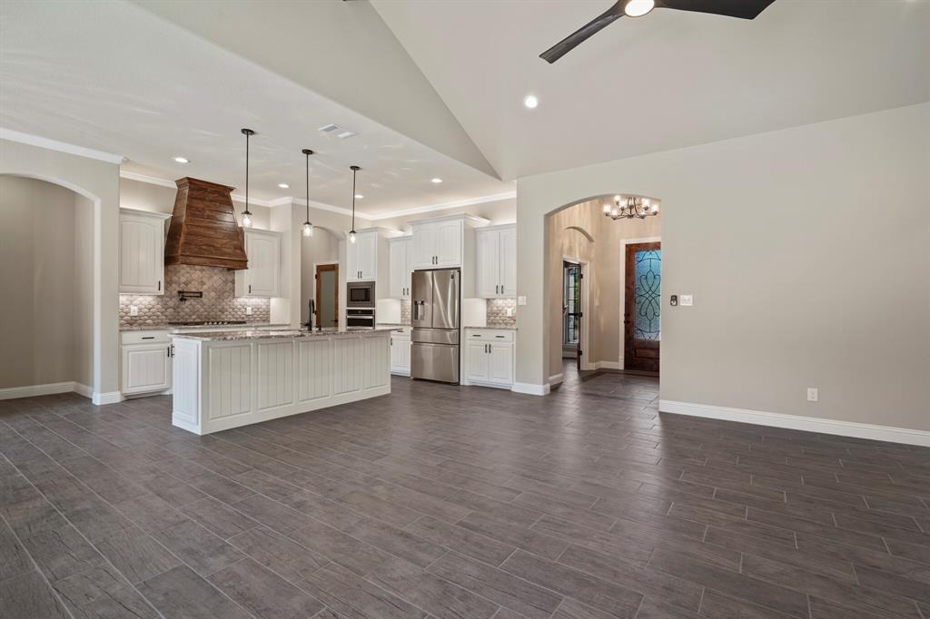 725 Glade Park  Court, Azle, Texas 76020 - acquisto real estate best real estate company in frisco texas real estate showings