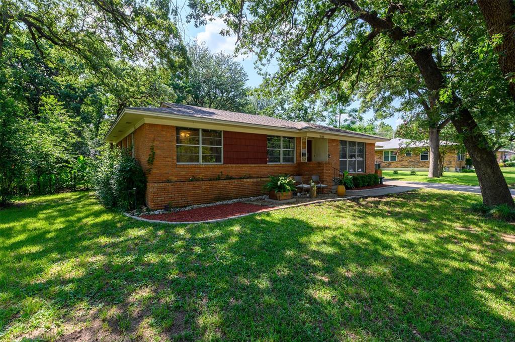 2503 Glenwood  Lane, Denton, Texas 76209 - Acquisto Real Estate best mckinney realtor hannah ewing stonebridge ranch expert