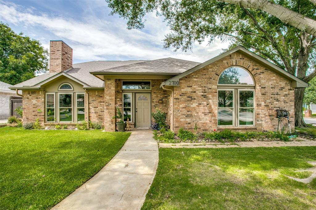 2700 Valleywood  Drive, Grapevine, Texas 76051 - Acquisto Real Estate best frisco realtor Amy Gasperini 1031 exchange expert