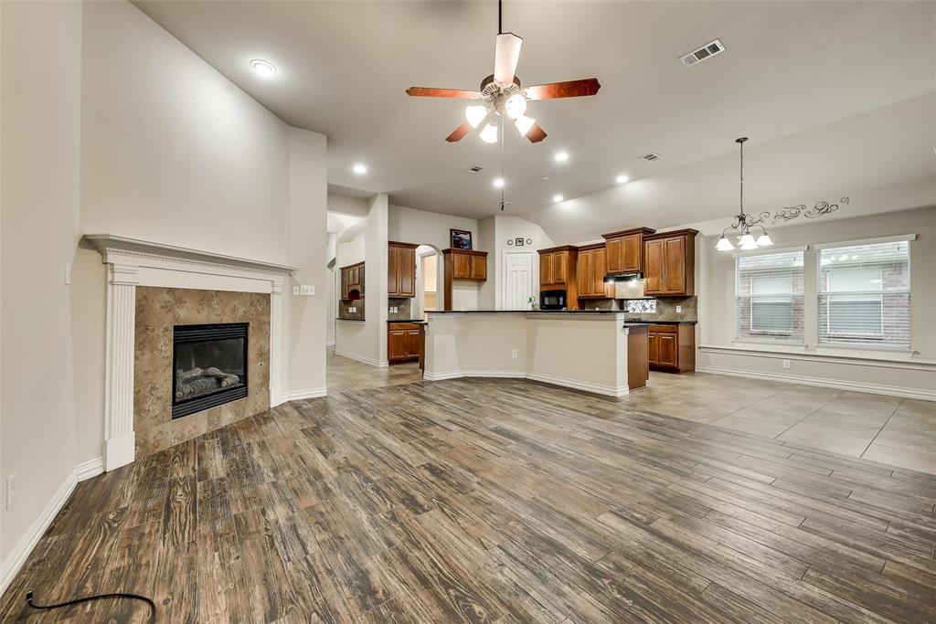 5812 New Castle  Drive, Richardson, Texas 75082 - Acquisto Real Estate best frisco realtor Amy Gasperini 1031 exchange expert
