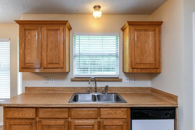 1304 Azalea  Lane, Waxahachie, Texas 75165 - acquisto real estate best real estate company to work for