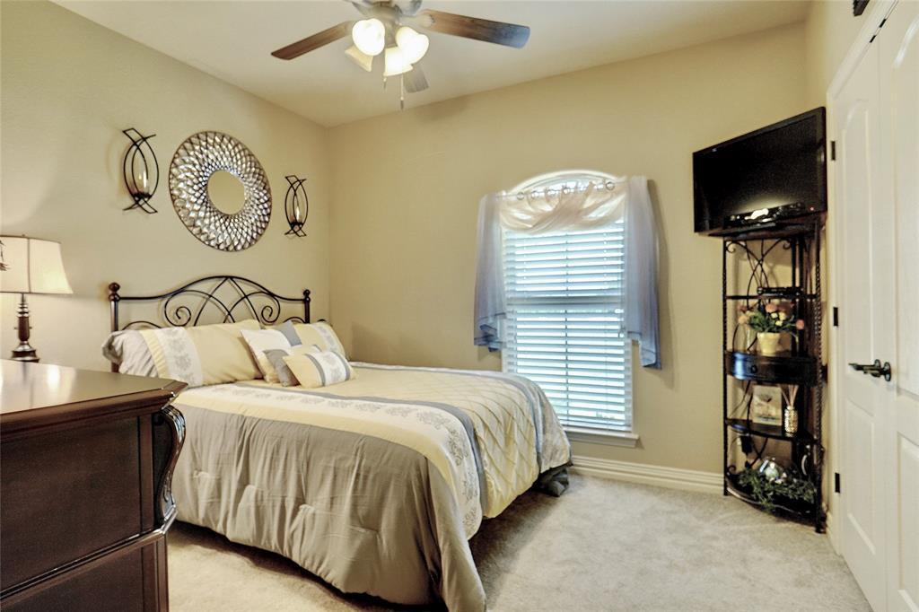 194 Horizon  Circle, Azle, Texas 76020 - acquisto real estate best photos for luxury listings amy gasperini quick sale real estate