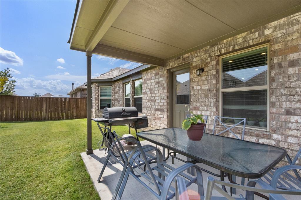 6212 Looms  Court, Aubrey, Texas 76227 - acquisto real estate best negotiating realtor linda miller declutter realtor