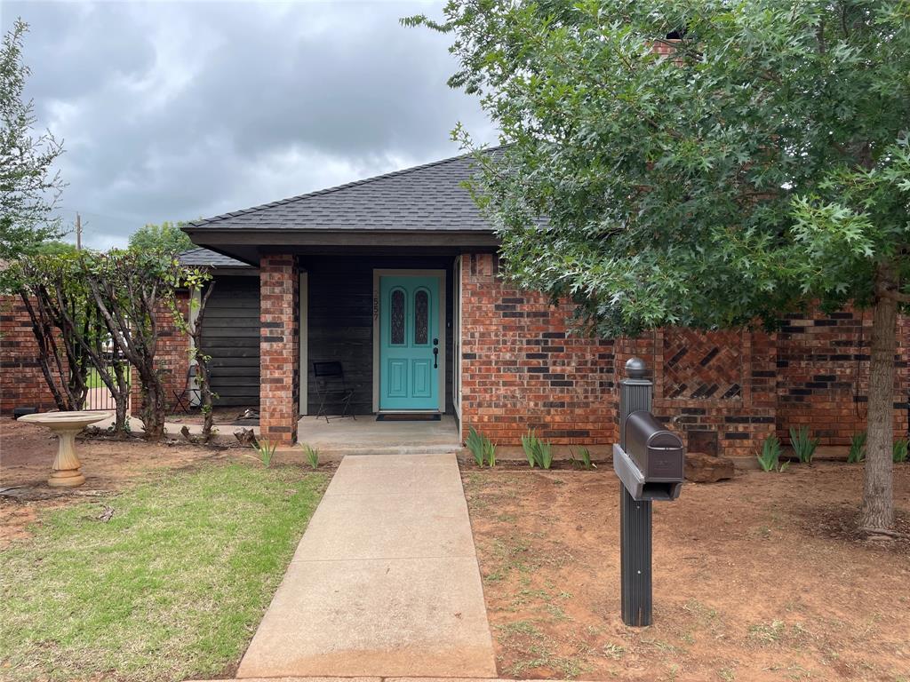 2557 Cloverleaf  Lane, Abilene, Texas 79601 - Acquisto Real Estate best frisco realtor Amy Gasperini 1031 exchange expert
