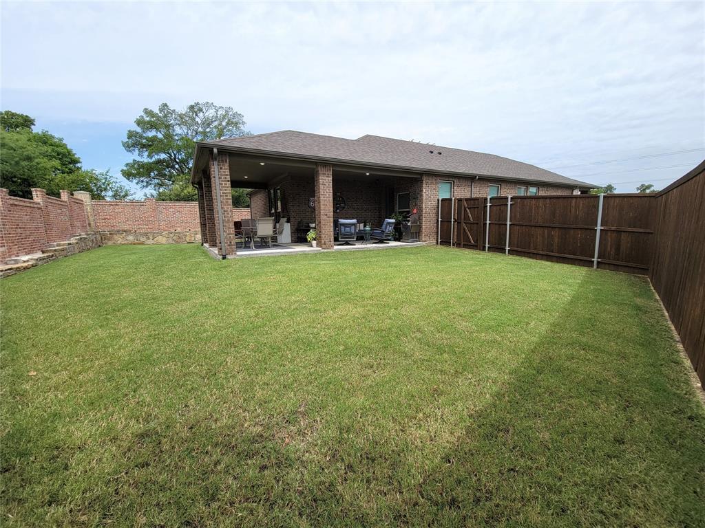 2110 Aquilla  Court, Irving, Texas 75062 - acquisto real estate best negotiating realtor linda miller declutter realtor