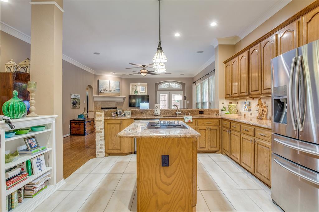 1732 Glenlivet  Drive, Dallas, Texas 75218 - acquisto real estate best real estate company to work for