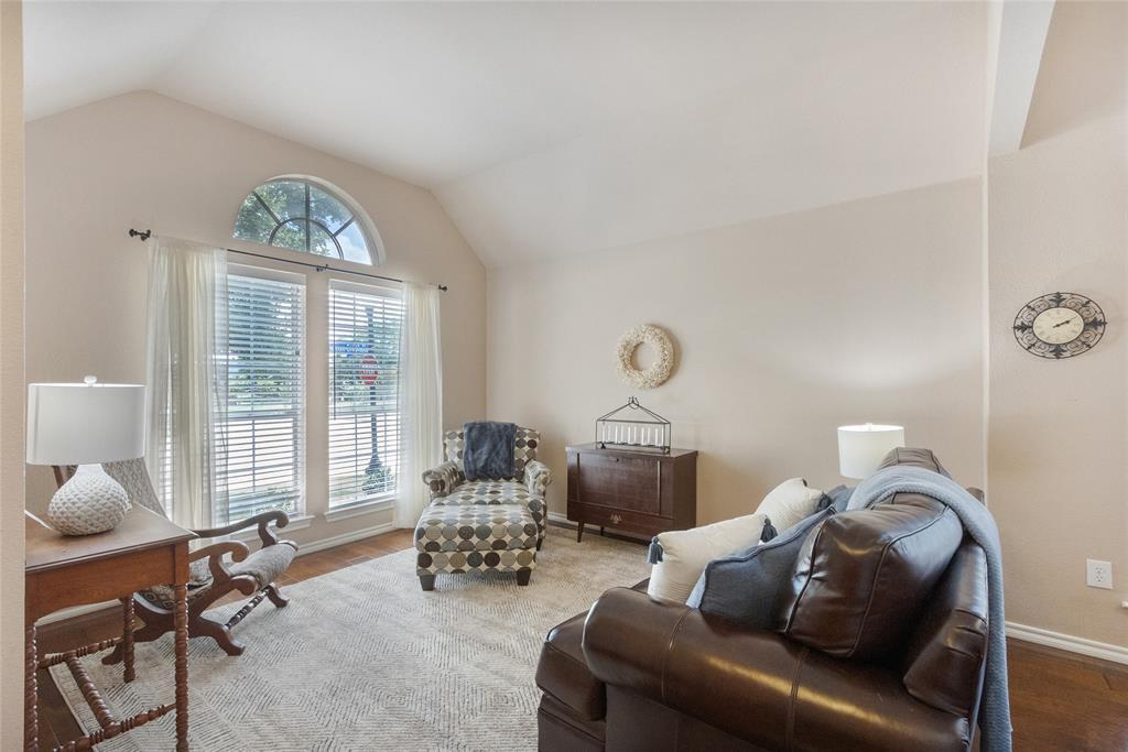 8712 Falcon Crest  Drive, McKinney, Texas 75072 - acquisto real estate best prosper realtor susan cancemi windfarms realtor