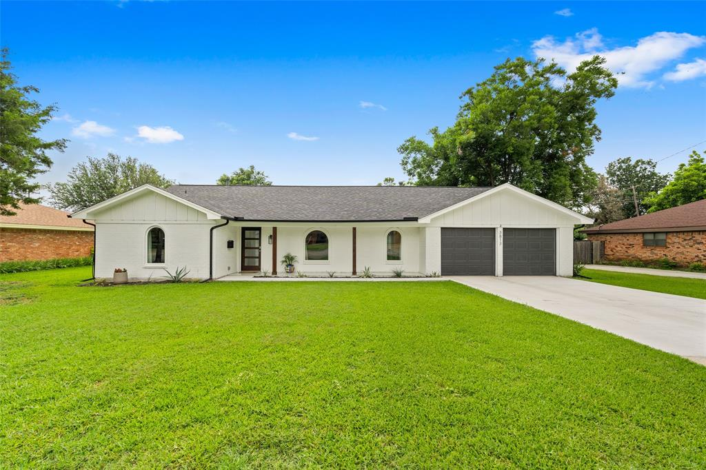 3813 Kelvin  Avenue, Fort Worth, Texas 76133 - Acquisto Real Estate best plano realtor mike Shepherd home owners association expert