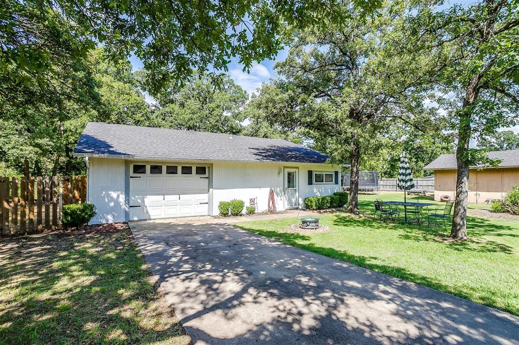 1010 Yvonne  Drive, Joshua, Texas 76058 - acquisto real estate best park cities realtor kim miller best staging agent