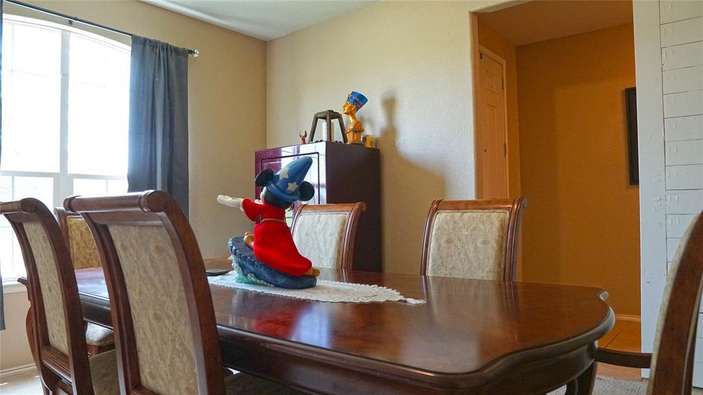4511 Hummingbird  Drive, Sherman, Texas 75092 - acquisto real estate best realtor foreclosure real estate mike shepeherd walnut grove realtor
