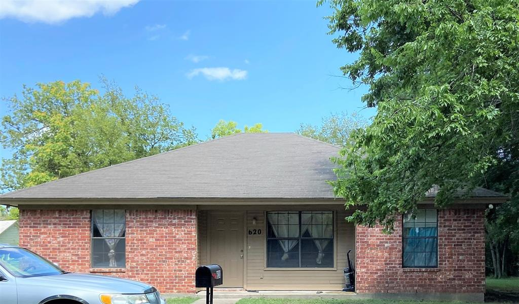 620 Clements  Street, Gainesville, Texas 76240 - Acquisto Real Estate best frisco realtor Amy Gasperini 1031 exchange expert