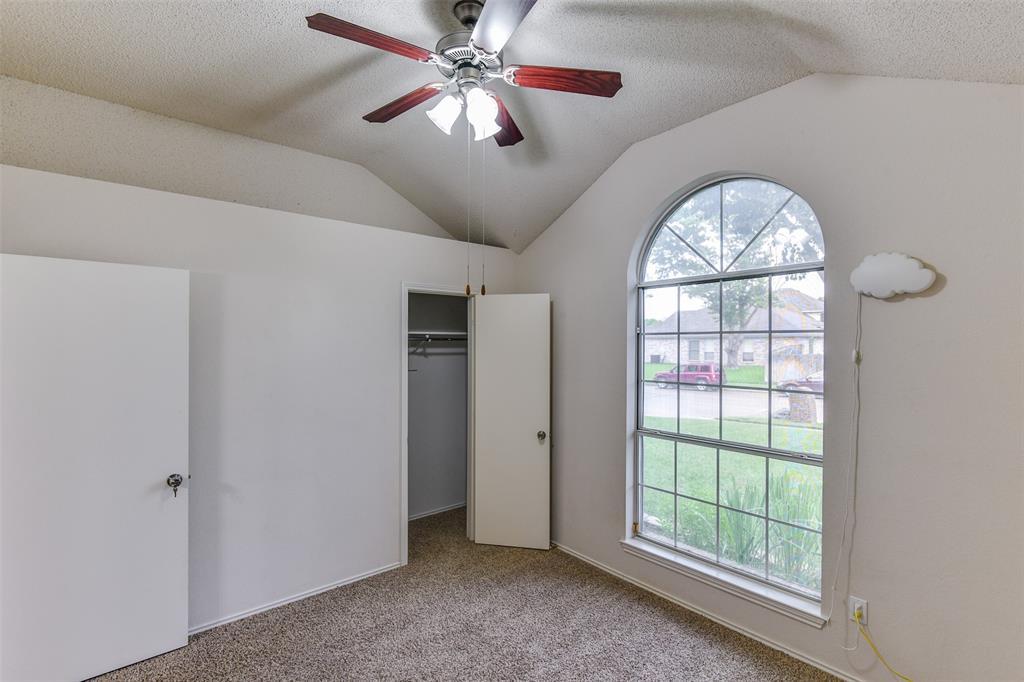 2107 Havenwood  Drive, Arlington, Texas 76018 - acquisto real estate best realtor foreclosure real estate mike shepeherd walnut grove realtor