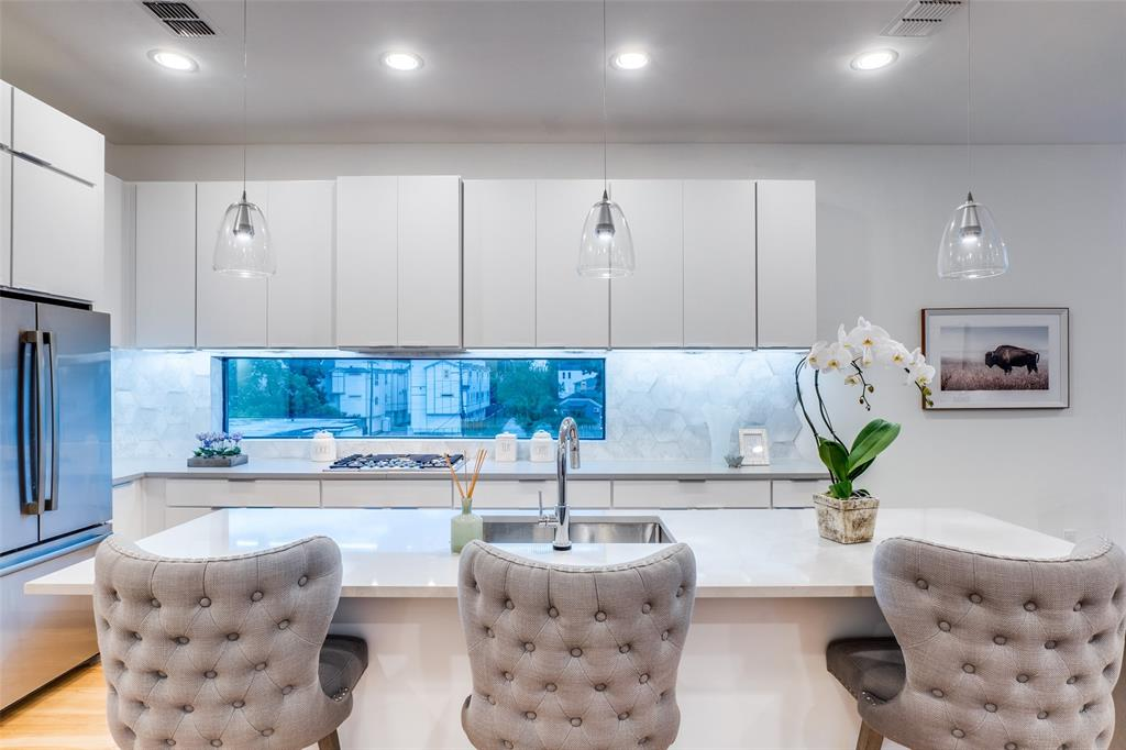4828 Caxton  Court, Dallas, Texas 75204 - acquisto real estate best listing agent in the nation shana acquisto estate realtor