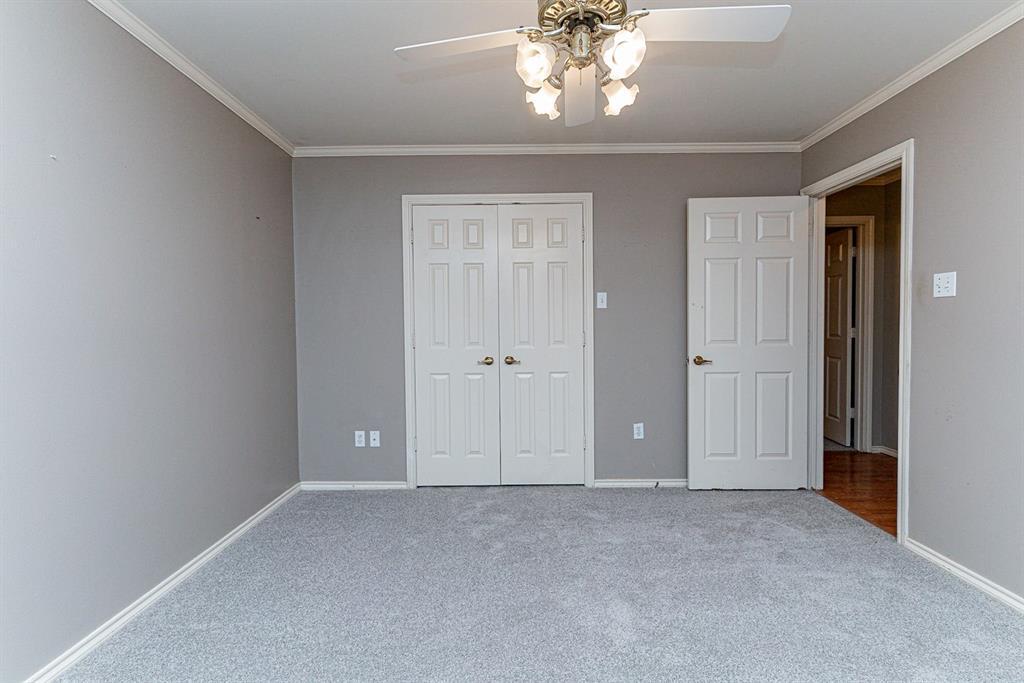 6710 Landover Hills  Lane, Arlington, Texas 76017 - acquisto real estate best frisco real estate broker in texas for high net worth buyers