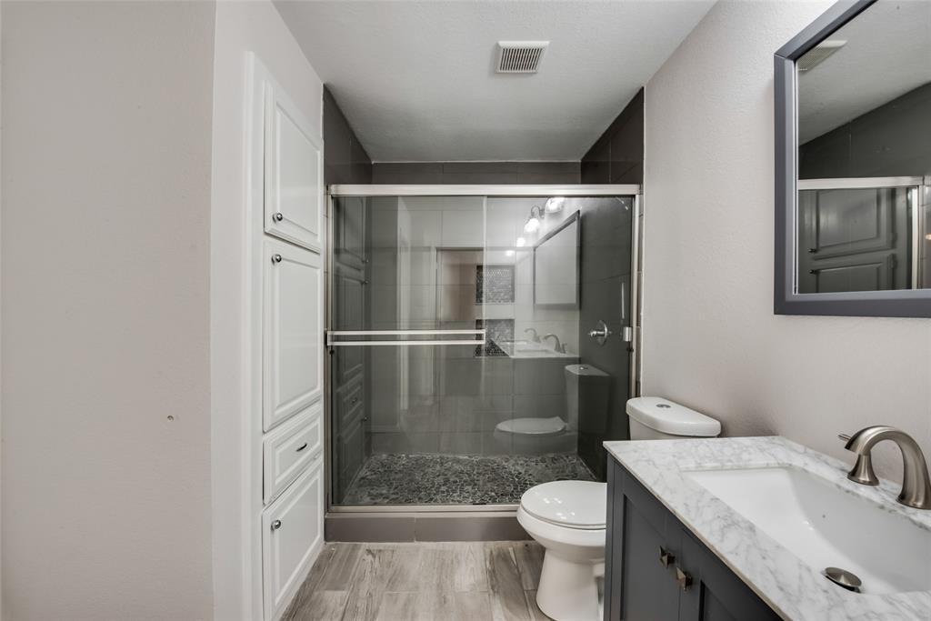 1204 Harwell  Drive, Arlington, Texas 76011 - acquisto real estate best designer and realtor hannah ewing kind realtor