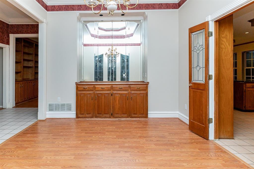 6710 Landover Hills  Lane, Arlington, Texas 76017 - acquisto real estate best listing listing agent in texas shana acquisto rich person realtor