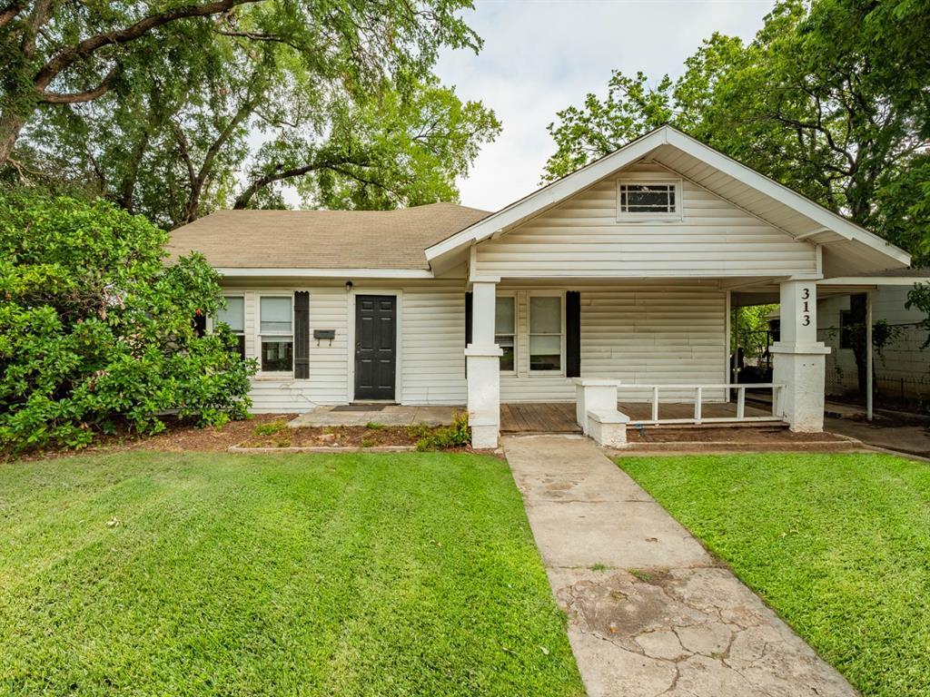 313 College  Street, Stephenville, Texas 76401 - Acquisto Real Estate best frisco realtor Amy Gasperini 1031 exchange expert