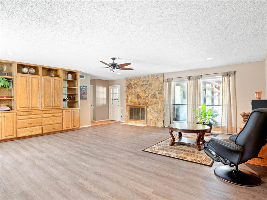 505 Oak Hollow  Lane, Fort Worth, Texas 76112 - acquisto real estate best investor home specialist mike shepherd relocation expert
