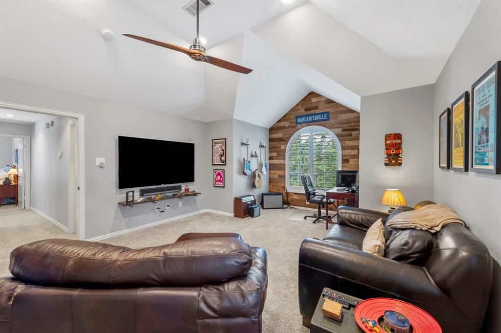 8324 Thorncrest  Court, North Richland Hills, Texas 76182 - acquisto real estate best realtor foreclosure real estate mike shepeherd walnut grove realtor