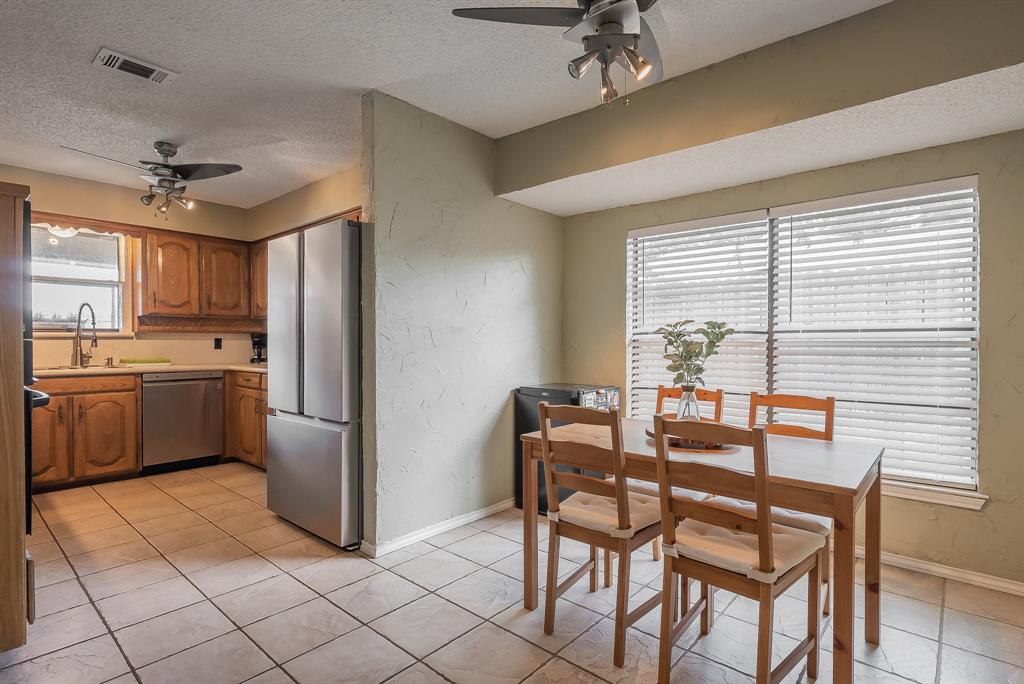 2732 Meadow Green  Bedford, Texas 76021 - acquisto real estate best real estate company in frisco texas real estate showings