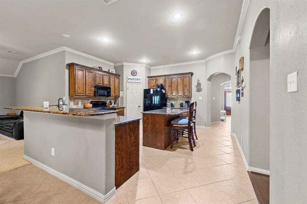 405 Bryn Mawr  Lane, Van Alstyne, Texas 75495 - acquisto real estate best real estate company to work for