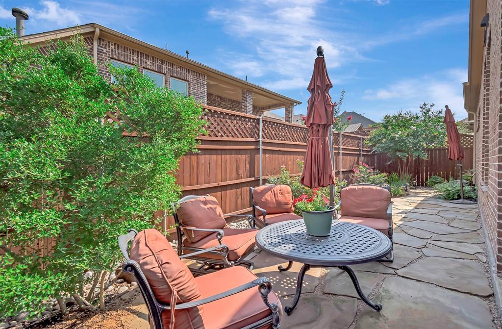 417 Chestnut  Lane, Roanoke, Texas 76262 - acquisto real estate best realtor foreclosure real estate mike shepeherd walnut grove realtor