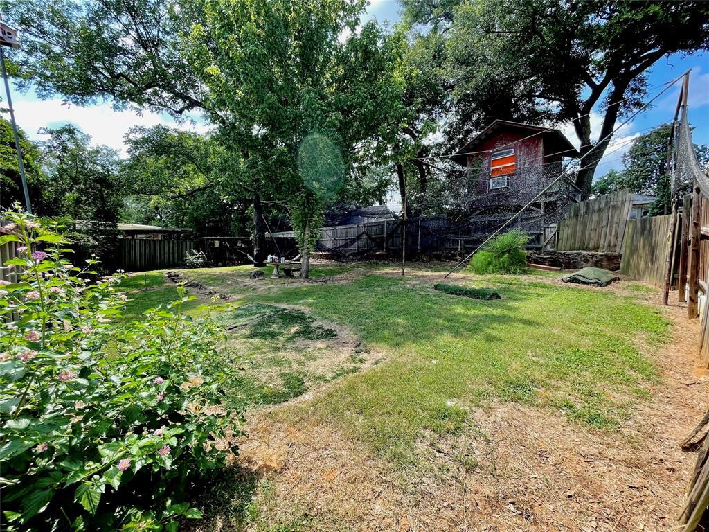 104 Red Oak  Henderson, Texas 75654 - acquisto real estate best designer and realtor hannah ewing kind realtor