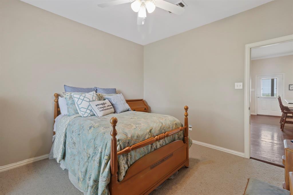 4760 Bonnie Brae  Street, Denton, Texas 76207 - acquisto real estate best plano real estate agent mike shepherd