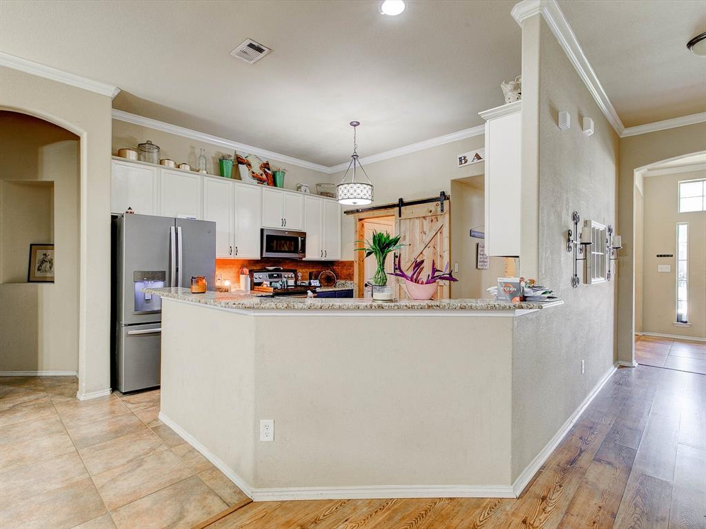 2973 Lakeview  Circle, Burleson, Texas 76028 - acquisto real estate best celina realtor logan lawrence best dressed realtor