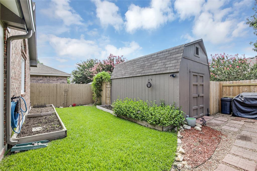 905 Canterbury  Drive, Saginaw, Texas 76179 - acquisto real estate best park cities realtor kim miller best staging agent