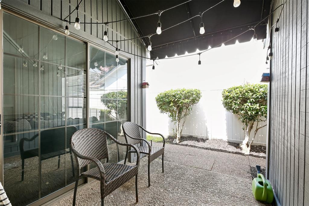 6530 La Manga  Drive, Dallas, Texas 75248 - acquisto real estate best negotiating realtor linda miller declutter realtor