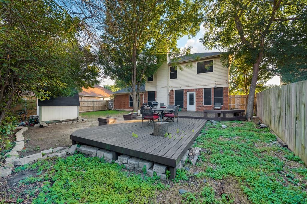 6319 Pierce Arrow  Drive, Arlington, Texas 76001 - acquisto real estate best negotiating realtor linda miller declutter realtor