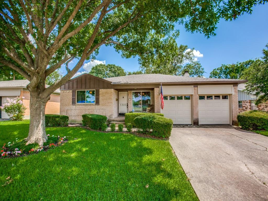 1323 Cypress  Drive, Richardson, Texas 75080 - Acquisto Real Estate best plano realtor mike Shepherd home owners association expert