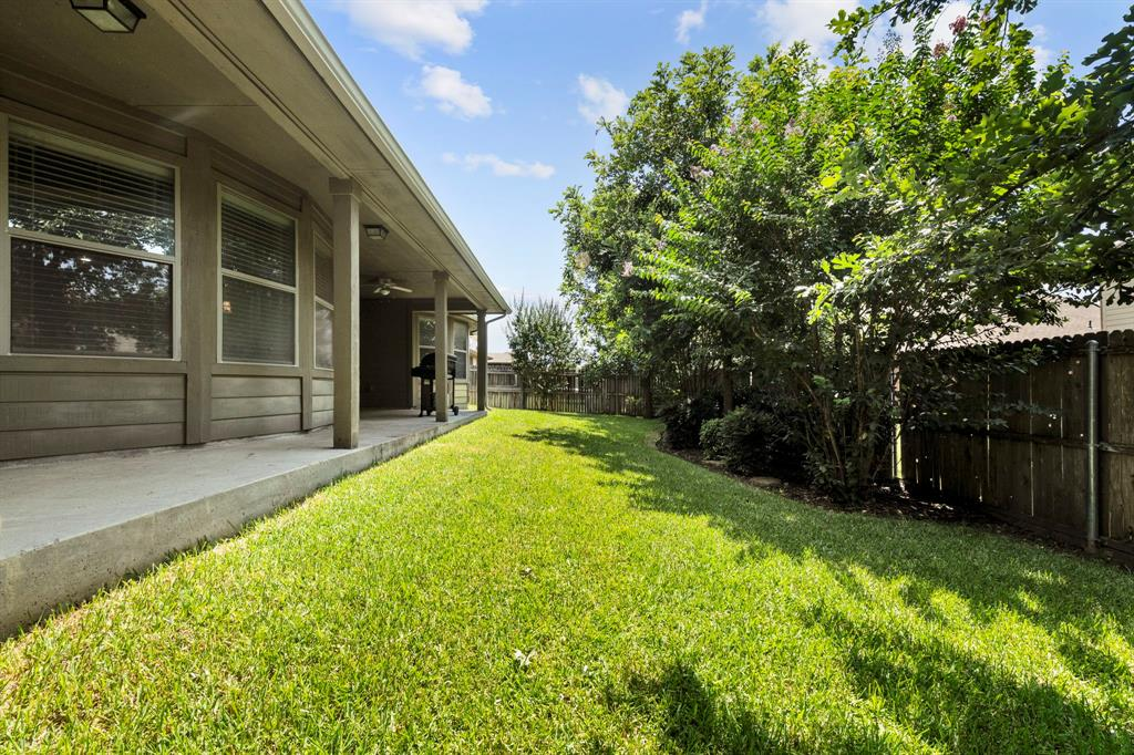 405 Bryn Mawr  Lane, Van Alstyne, Texas 75495 - acquisto real estate best negotiating realtor linda miller declutter realtor