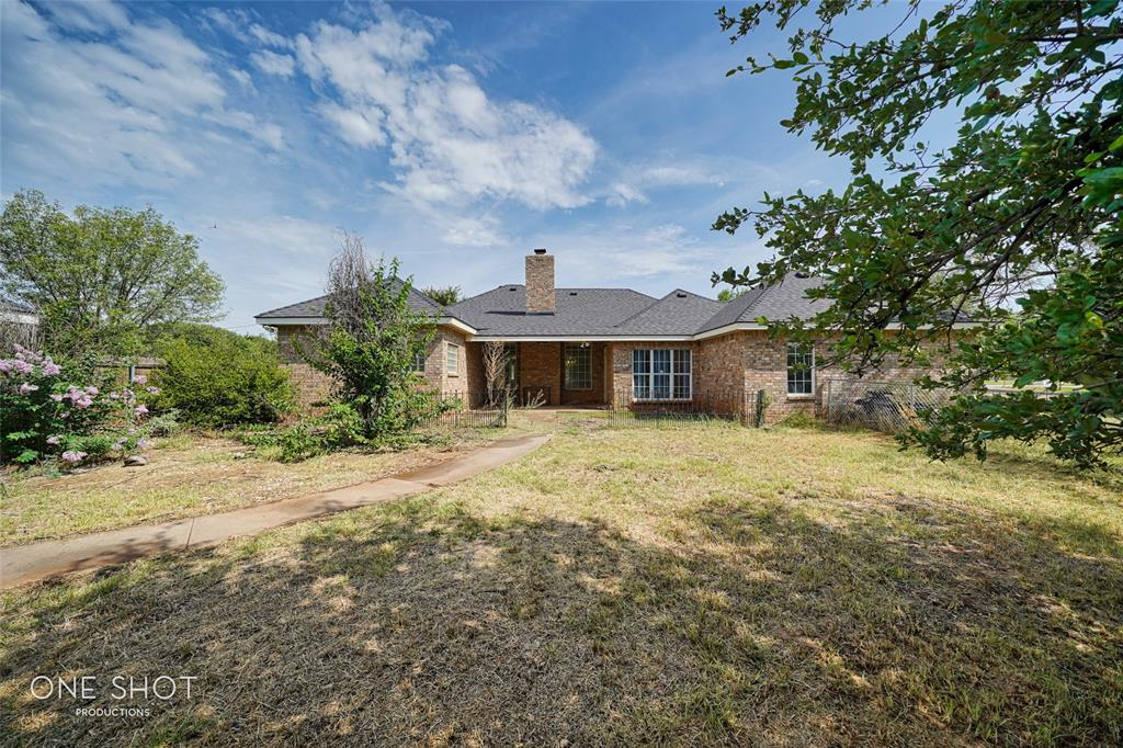 121 Southview  Terrace, Sweetwater, Texas 79556 - Acquisto Real Estate best frisco realtor Amy Gasperini 1031 exchange expert