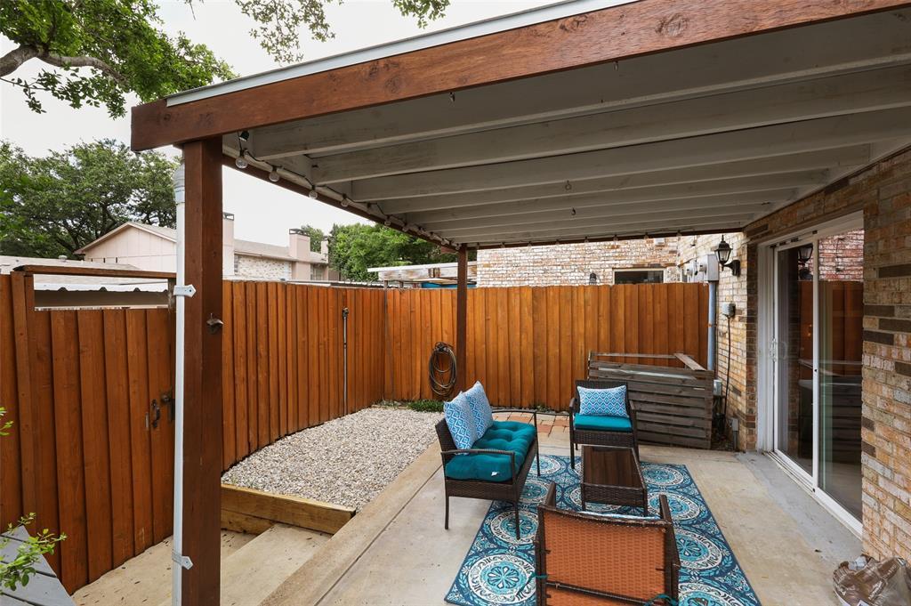 7609 Pebblestone  Drive, Dallas, Texas 75230 - acquisto real estate best realtor dfw jody daley liberty high school realtor
