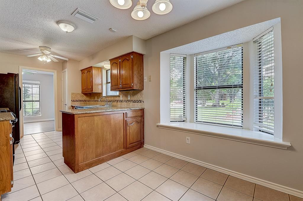 405 Kingsbridge  Court, Garland, Texas 75040 - acquisto real estate mvp award real estate logan lawrence