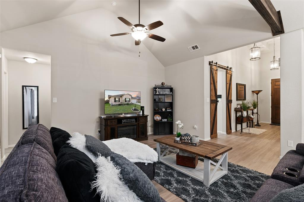 4014 Kensington  Drive, Sanger, Texas 76266 - acquisto real estate nicest realtor in america shana acquisto