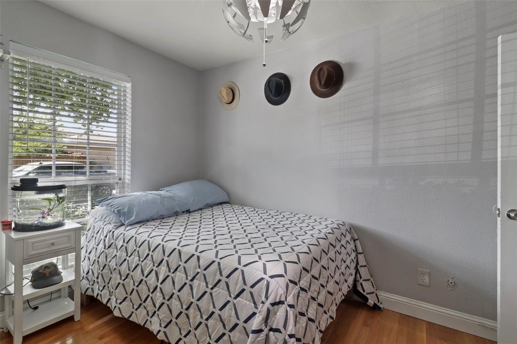 5303 Smoke Tree  Drive, Arlington, Texas 76018 - acquisto real estate best listing photos hannah ewing mckinney real estate expert