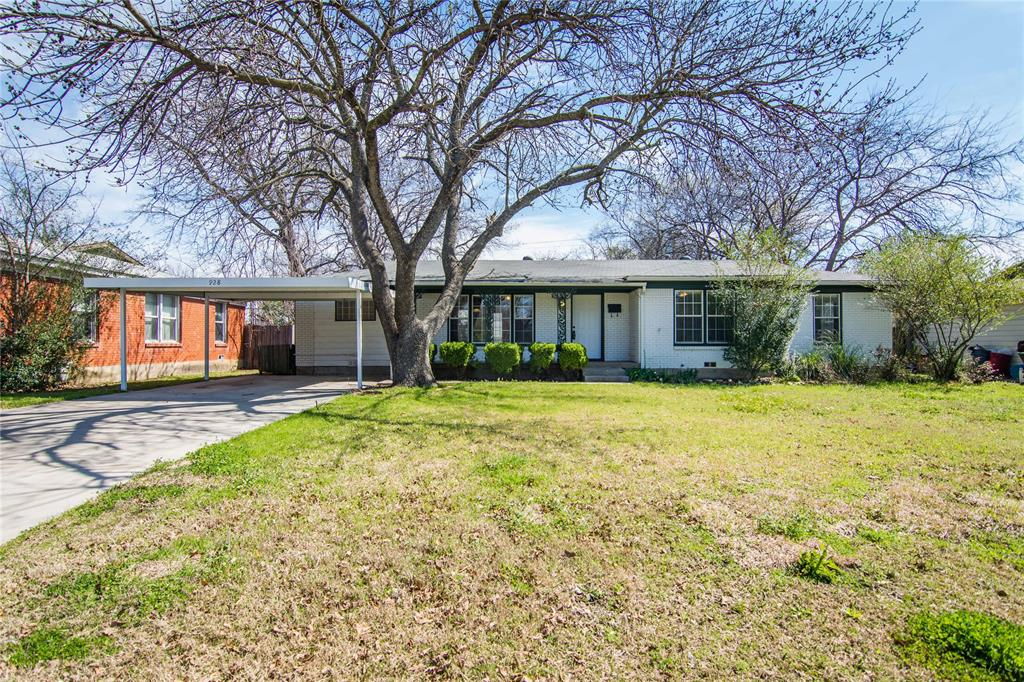 928 Dora  Street, Bedford, Texas 76022 - Acquisto Real Estate best plano realtor mike Shepherd home owners association expert