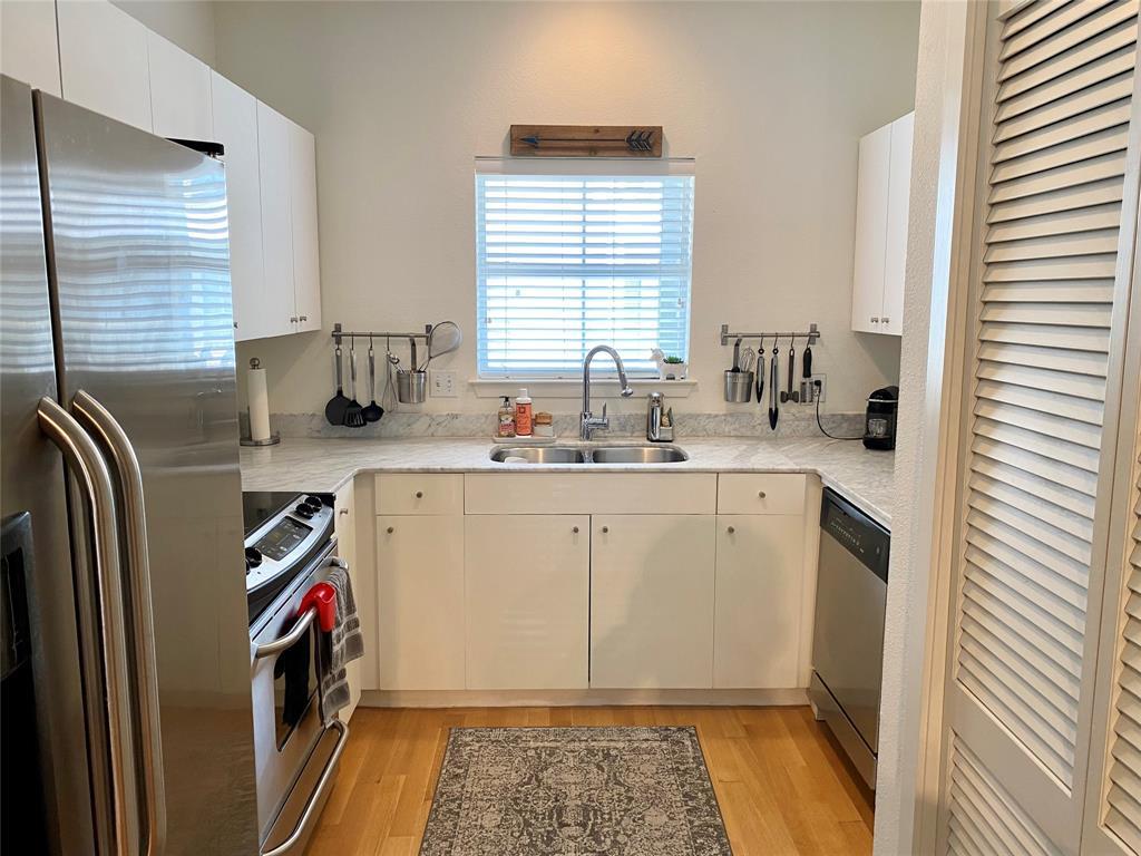 4111 Cole  Avenue, Dallas, Texas 75204 - acquisto real estate best the colony realtor linda miller the bridges real estate