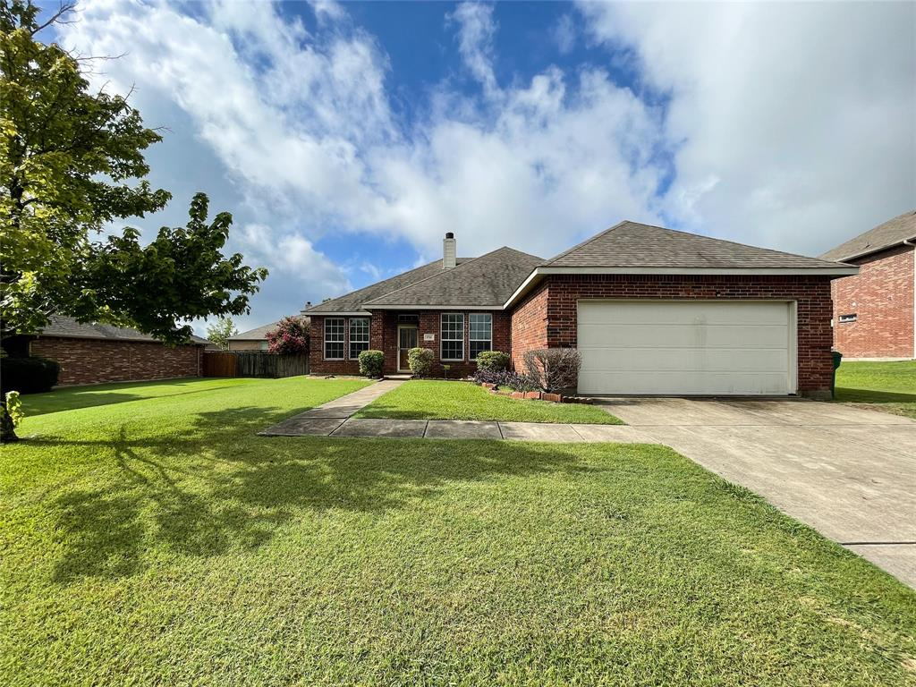 1738 Summerwood  Lane, Cedar Hill, Texas 75104 - Acquisto Real Estate best plano realtor mike Shepherd home owners association expert