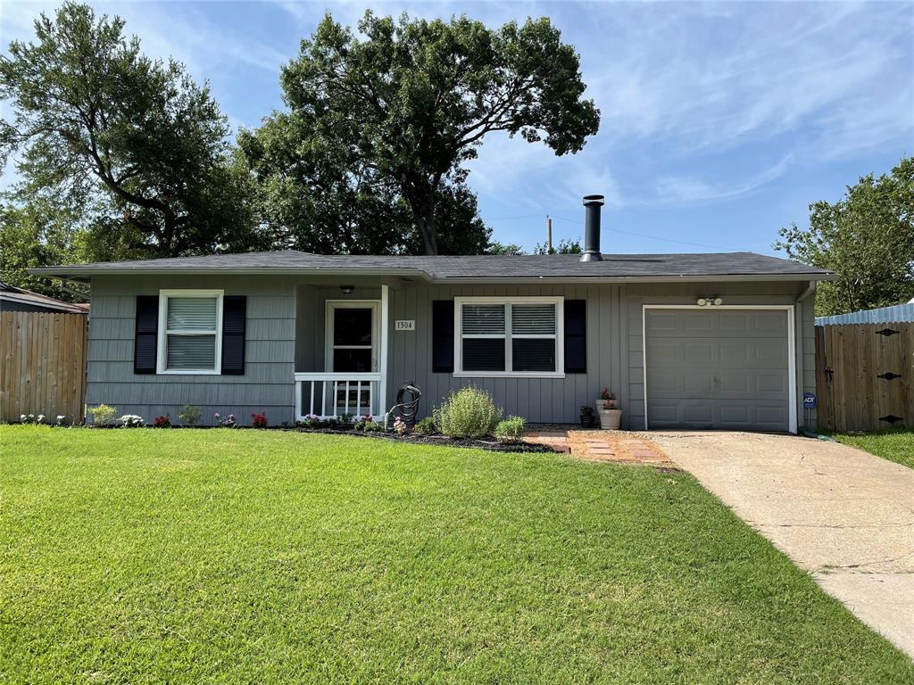 1304 Cardinal  Street, Arlington, Texas 76010 - Acquisto Real Estate best frisco realtor Amy Gasperini 1031 exchange expert