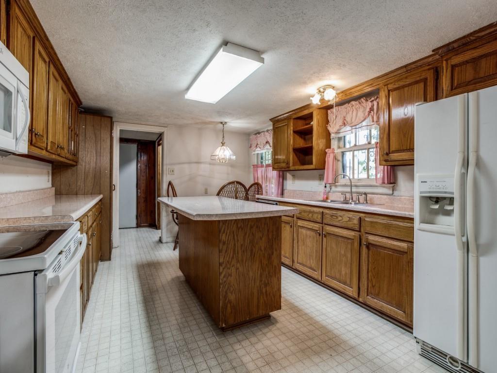 3315 Ledbetter  Drive, Dallas, Texas 75216 - acquisto real estate best new home sales realtor linda miller executor real estate