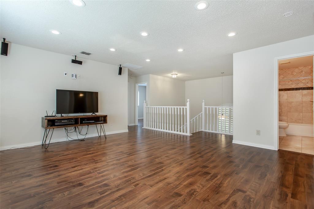 5118 Glen Vista  Drive, Garland, Texas 75044 - acquisto real estate best listing photos hannah ewing mckinney real estate expert