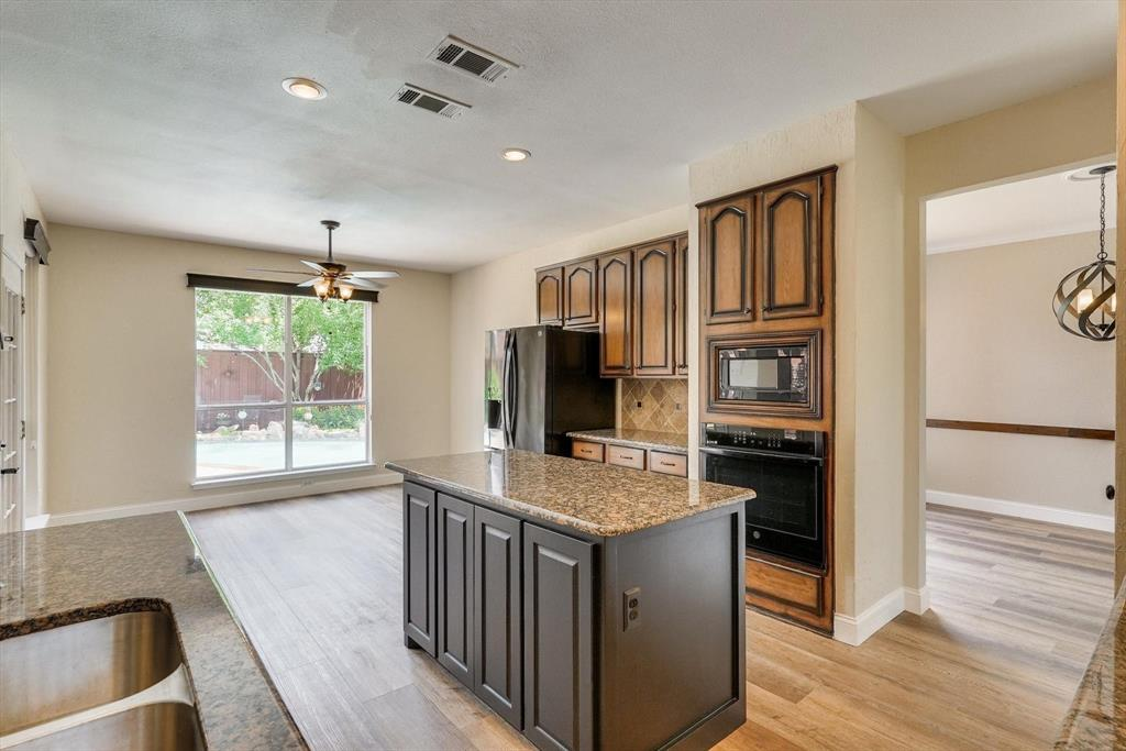 2124 Gisbourne  Drive, Flower Mound, Texas 75028 - acquisto real estate best real estate company in frisco texas real estate showings