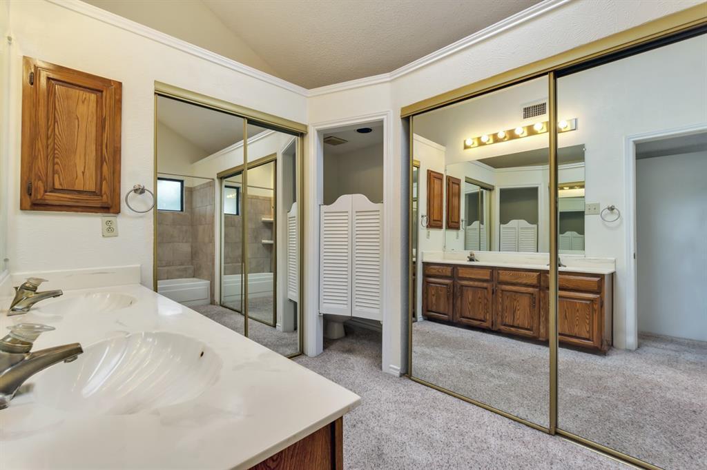 2113 Avignon  Drive, Carrollton, Texas 75007 - acquisto real estate best designer and realtor hannah ewing kind realtor